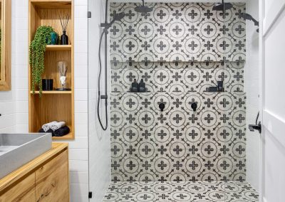 Tarcoola-cres-chevron-shower