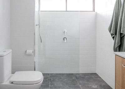 main-beach-pde-bathroom